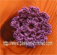 Voici des modèles de fleurs à coudre pour décorer des vetements, sacs Pour accéder au modèle, cliquez sur la photo
